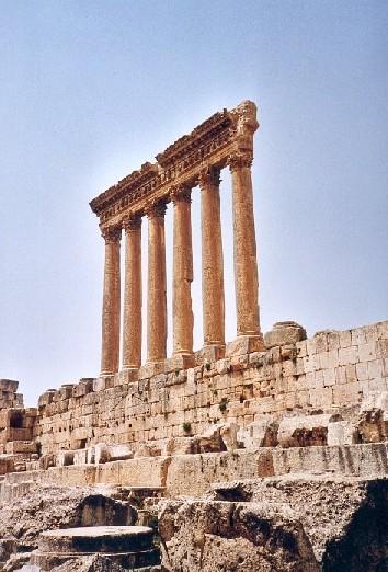 Les 6 colonnes du temple de Jupiter