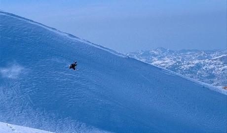 Le Mont Liban couvert de neige